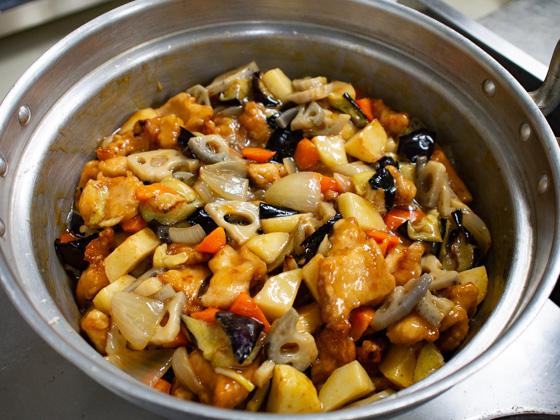 鶏むね肉と野菜の甘酢あんかけ